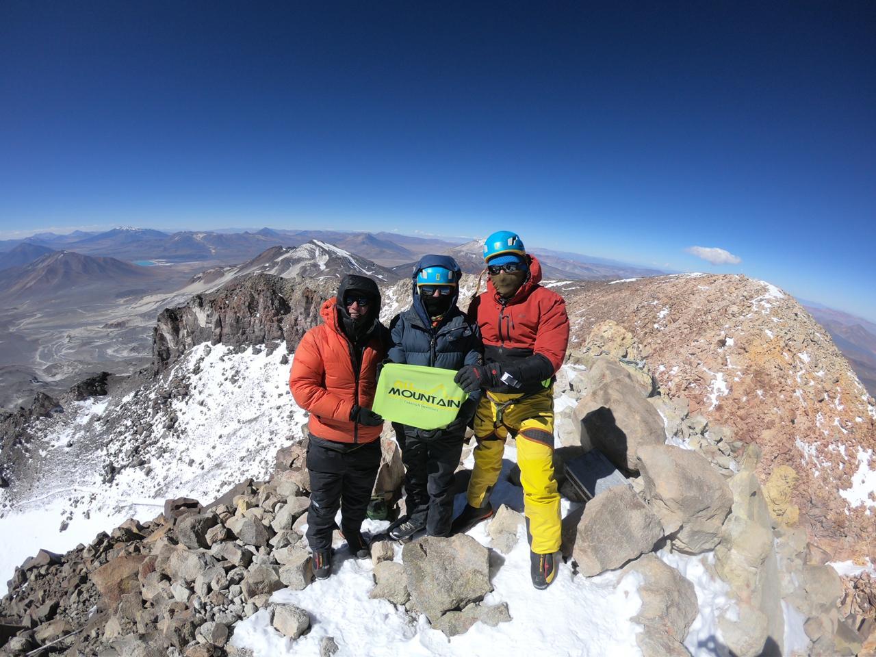 Francisco-Vega-Cumbre-Vn-Ojos-del-Salado-Fecha-12-21-Marzo-2020